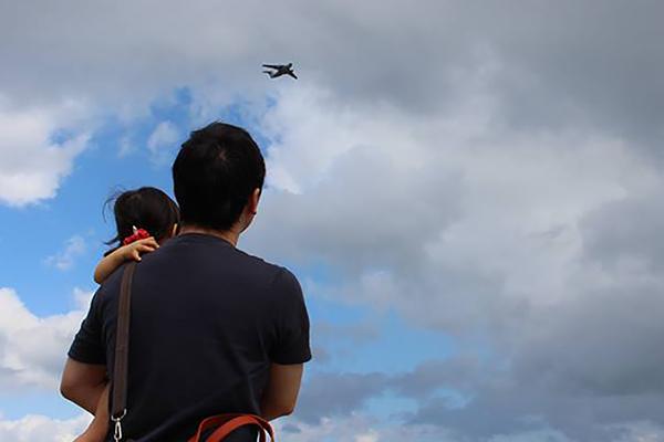 娘と見る飛行機